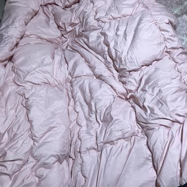 私のベッドでは先週亡くなったマリーがいつも寝ていました。