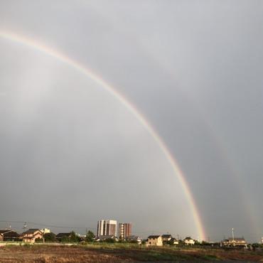 墓参りで春日井から移動中に見た二重の虹
